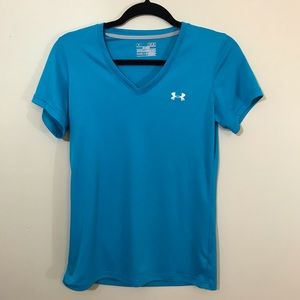 Under Armour women's med blue semi fitted T-shirt